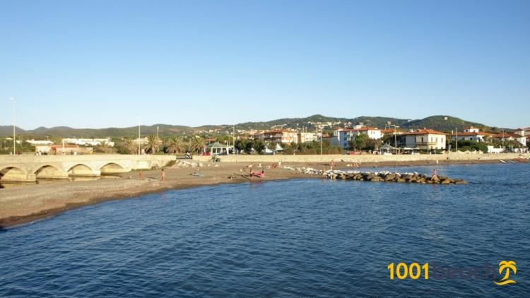 Пляж Трёх мостов